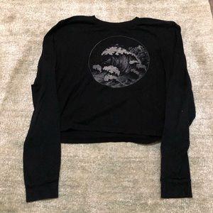 Black wave long sleeve top